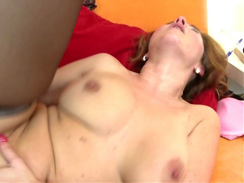 Sex bomb MILF suck and fuck young boy